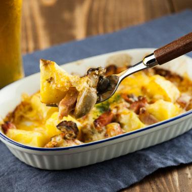 牡蠣とじゃがいものチーズ焼き